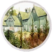Watercolor Of An Old Wooden Barn Painted Green With Silo In The Sun Round Beach Towel