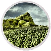 A Pointed Hilltop Round Beach Towel