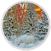 A Polar Bear Christmas Round Beach Towel