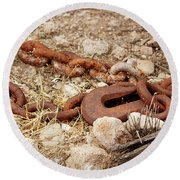 A Rusty Chain And Hook Round Beach Towel