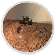 A Selfie On Mars Round Beach Towel