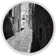 A Street In Sicily Round Beach Towel