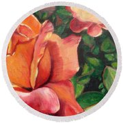 A Tale Of Two Roses Round Beach Towel