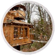 A Treehouse For All Seasons Round Beach Towel