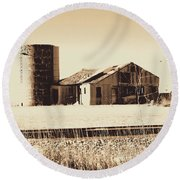 A Very Old Barn And Silo Round Beach Towel