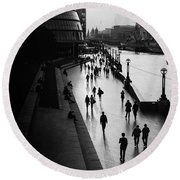 A Walk Along The Thames Round Beach Towel