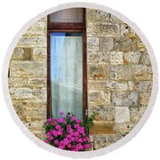 A Window In Florence Round Beach Towel