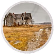 Abandoned Farm House Round Beach Towel by Cale Best