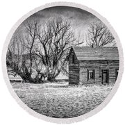 Abandoned Farm House Round Beach Towel