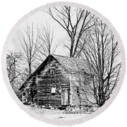 Abandoned Farmhouse In The Michigan Countryside Round Beach Towel