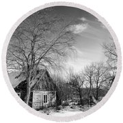 Abandoned Wooden Shack In Winter Round Beach Towel