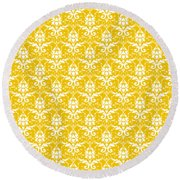 Abby Damask In White Pattern 05-p0113 Round Beach Towel