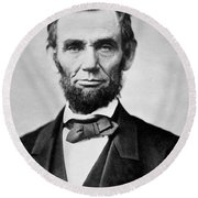 Abraham Lincoln -  Portrait Round Beach Towel