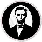 Abraham Lincoln - Black And White Round Beach Towel