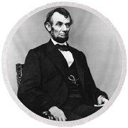 Abraham Lincoln Portrait - Used For The Five Dollar Bill - C 1864 Round Beach Towel