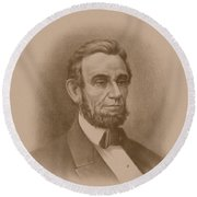 Abraham Lincoln - Savior Of His Country Round Beach Towel