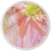 Abstract Dahlia In Pink Round Beach Towel