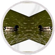 Abstract Ducks Round Beach Towel