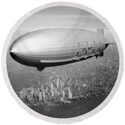 Airship Flying Over New York City Round Beach Towel