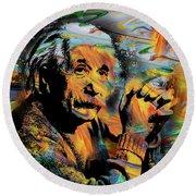 Albert Einstein - By Prar Round Beach Towel