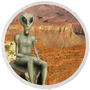 Alien Vacation - Grand Canyon Round Beach Towel
