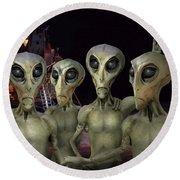 Alien Vacation - Kennedy Space Center Round Beach Towel