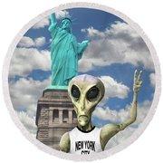 Alien Vacation - New York City Round Beach Towel