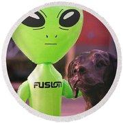 Alien's Best Friend Round Beach Towel