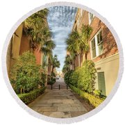 Alleyway In Chaleston Round Beach Towel