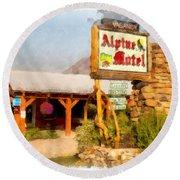 Alpine Motel Vintage Roadside Oasis Yellowstone Round Beach Towel
