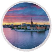 Dramatic Sunset Over Stockholm Round Beach Towel
