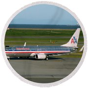 American Airlines 737-800 Round Beach Towel