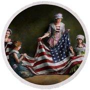 Americana - Flag - Birth Of The American Flag 1915 Round Beach Towel