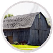 Amish Barn With Gambrel Roof And Hay Bales Indiana Usa Round Beach Towel