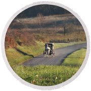 Amish Country Horse And Buggy In Autumn Round Beach Towel