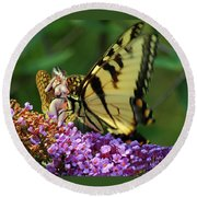Amorous Butterfly And Faerie Round Beach Towel