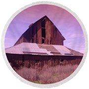 An Old Weathered Barn  Round Beach Towel