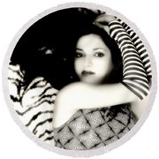 Angel In Black And White Round Beach Towel