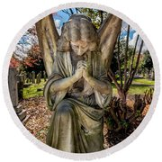 Angel In Prayer Round Beach Towel