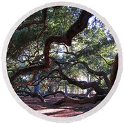 Angel Oak Side View Round Beach Towel