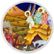 Angels And Shepherds Round Beach Towel