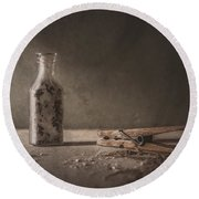 Apothecary Bottle And Clothes Pin Round Beach Towel