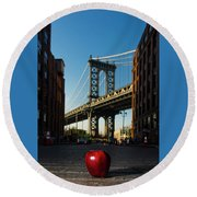 Apple On The Streets Round Beach Towel