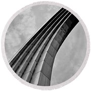 Arch In Black And White Round Beach Towel