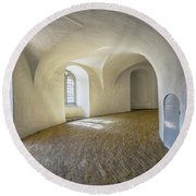 Arches And Curves Round Beach Towel