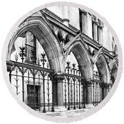 Arches Front Of The Royal Courts Of Justice London Round Beach Towel