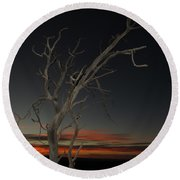 Arches Lone Tree At Dusk Round Beach Towel