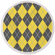 Argyle Diamond With Crisscross Lines In Pewter Gray N05-p0126 Round Beach Towel