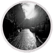 Evening Walk In Paris Bw Round Beach Towel