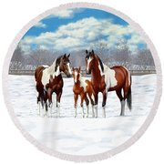 Bay Paint Horses In Winter Round Beach Towel